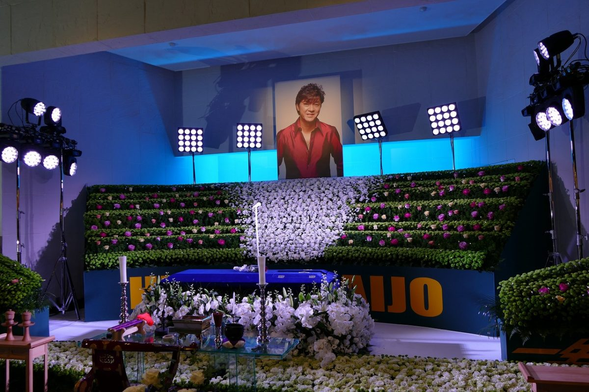 【西城秀樹さんのお通夜・告別式】一生青春!大阪球場の祭壇で最後のコンサート