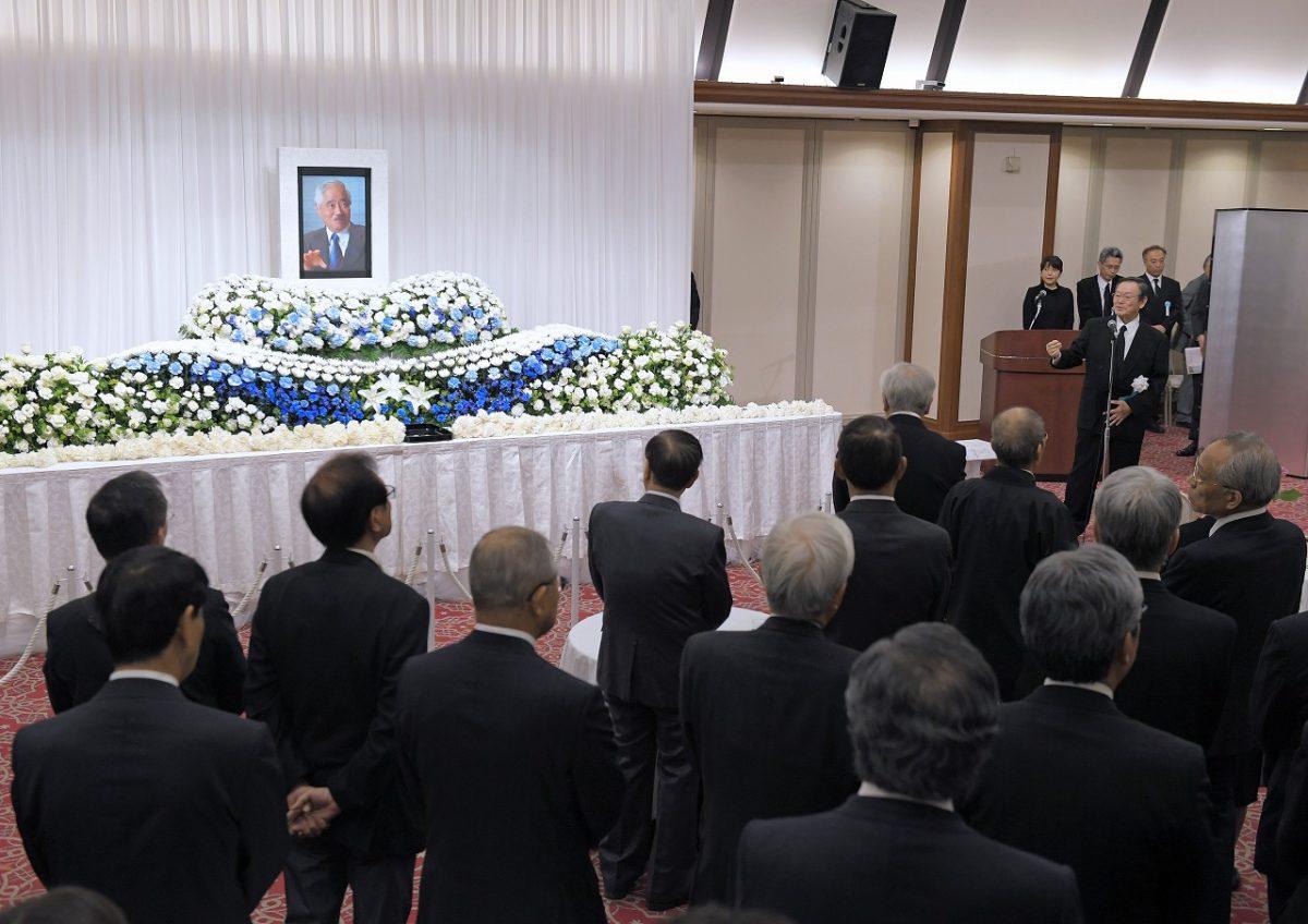岸井成格さんお別れの会。東京・千代田区の如水会館で