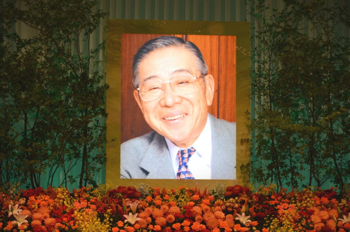 大橋巨泉さんを偲ぶ会。北野武さんが「全盛期のテレビの一番のスターだった」と追悼
