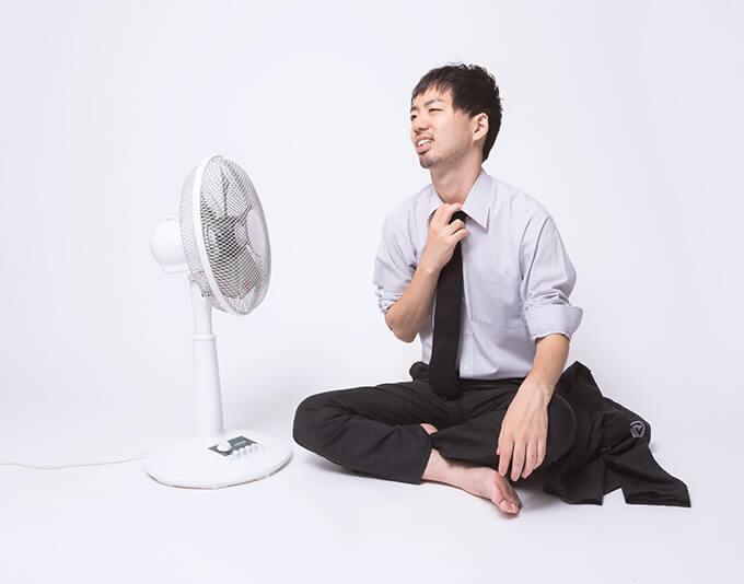 告別式が夏にある場合の服装はどうするべき?半袖でも大丈夫?