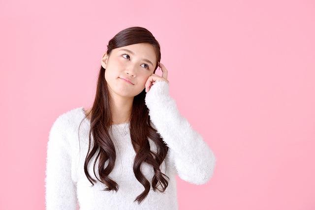 【葬儀の髪型】ロングヘアは要注意!お葬式に最適なヘアスタイルは?【大人のマナー】