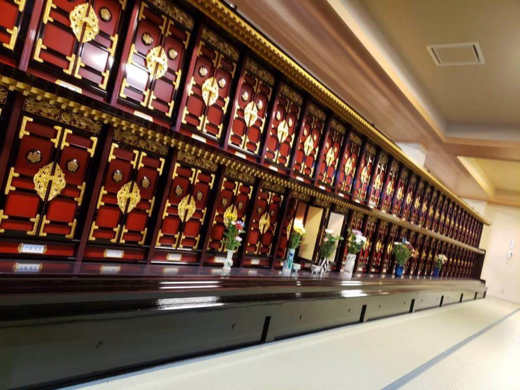 青森県のお葬式のしきたり/お寺の位牌所