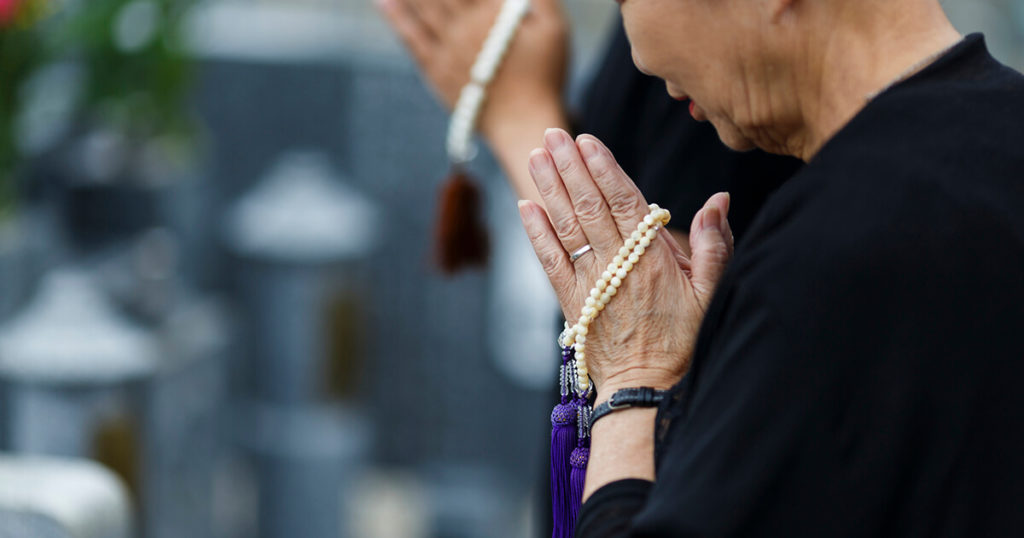 急な逝去で気持ちの整理がつかないまま葬儀を行ってしまい、後悔することも…葬儀の事前準備をしておけば、各々がよく話し合って自分達が満足できるように葬儀の内容を決めることができます。