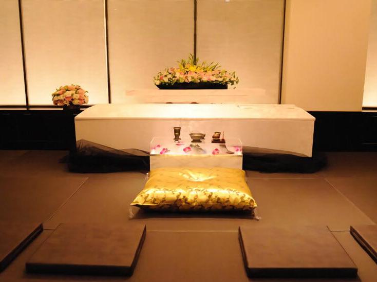 ご安置ホテル リレーションの葬儀式場の内観。大阪市内で家族葬が可能な葬儀場